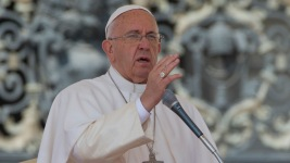 Pope Francis Urges Assistance for Nepal Quake Victims