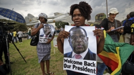 Zimbabweans Greet Country's New Leader Mnangagwa