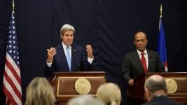 John Kerry Stops in Haiti to Discuss Election Preparations