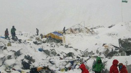 3 Americans Among Dead in Everest Avalanche
