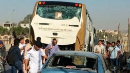 Bomb Hits Tourist Bus Near Egypt's Giza Pyramids, Wounds 17