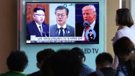 Korean Leaders Can Discuss Peace, But Can't End Korean War