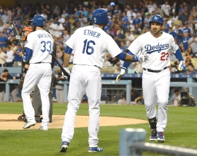 Four Homers Fuels Dodgers Over Rival Giants in Series Finale