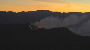 Watch: Helicopters Attack Mount Wilson Fire