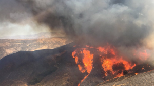 'Charlie Fire' in Castaic Grows to 3,000 Acres
