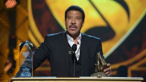 Celebs Pay Tribute to Lionel Richie on Grammy Weekend