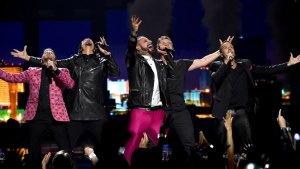 Backstreet Boys Give Surprise Performance