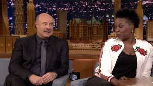 'Tonight': Leslie Jones Plays 'Truth or Lie' With Dr. Phil