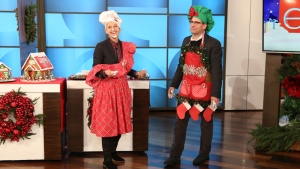 Steve Carell and Ellen DeGeneres Make Gingerbread Houses