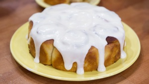 How to Make the Best Cinnamon Buns for National Cinnamon Roll Day