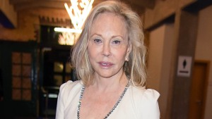 Faye Dunaway Sued by Ex-Staffer Alleging 'Demeaning Tirades'