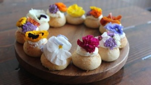 Coachella-Inspired Flower Crown Pie Holes Are a Thing
