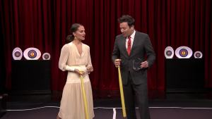 'Tonight': Alicia Vikander Teaches Fallon a Swedish Game