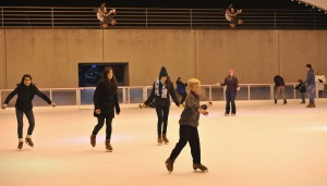 OC Shoppers Have Choices When it Comes to Ice Skating