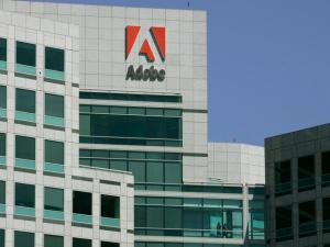 Apple Hires Adobe CTO