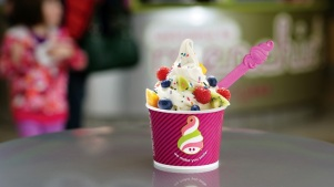 Menchie's: Smile It Forward Month