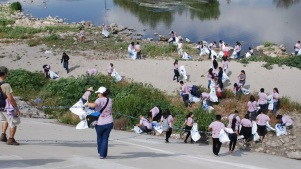 25 Tons of Trash: Great LA River CleanUp