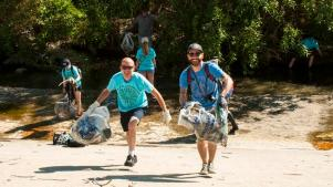 Sign Up Now to Help Clean the LA River