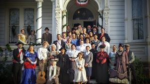 Lamplight Holiday at Heritage Square