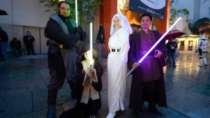 Queue Up Now, You Should, 'Star Wars' Fans