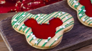 Fa, La, Yum: Mmm Over Disneyland's 2018 Holiday Treats