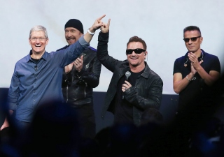 Apple Gives Users U2's Latest Album
