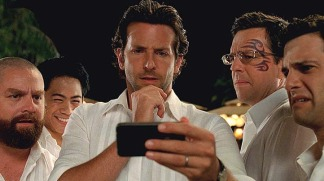 """Join the Wolfpack as They Check Out Pics From """"Hangover Part II"""""""
