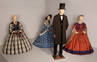 Free to See: Oscar Costumes Go on Exhibit