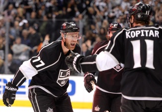 Kings Beat Blackhawks 4-3