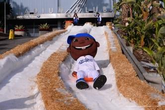 Dodgers Host Winter Wonderland for Kids