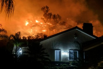 Holy Fire Edges Toward Lake Elsinore Retirement Community