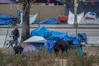 LA Plans to Move Dozens of Homeless Into Temporary Trailers