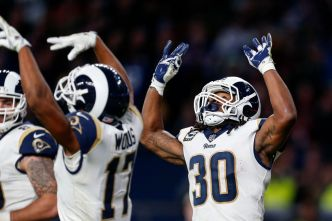Rams Shutout Cardinals 33-0 in London