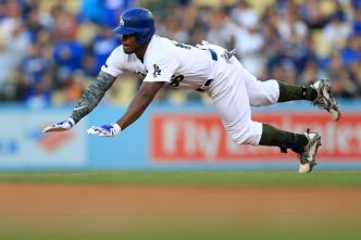 Dodgers Steal Victory With Late Comeback Over Phillies