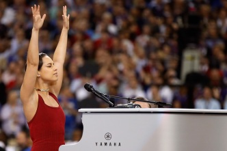 Alicia Keys' Anthem Longest in Bowl History