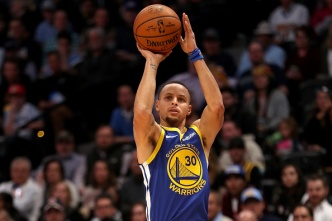 Warriors Score Record 51 in 1st on the Way to Rout of Denver