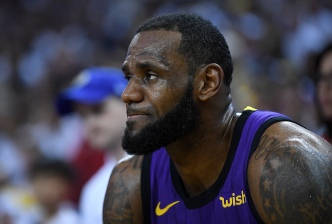 Lakers Say LeBron James is Day to Day Due to Groin Strain