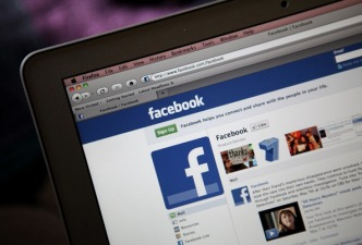 Facebook Tests Disappearing Posts