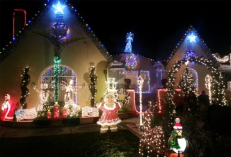 Fritz's Holiday Lights: Decade of Decorating in Baldwin Park