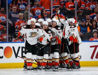 Silfverberg Scores in OT as Ducks Top Oilers 4-3 in Game 4