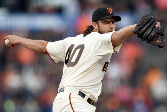 Giants Defeat Dodgers 3-2 in Epic Pitchers Duel