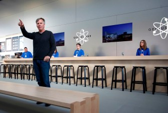 J. C. Penney Apologizes for Former Apple Retail Chief Ron Johnson