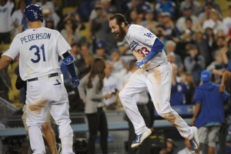 Van Slyke Strikes Again! Dodgers Walk Off