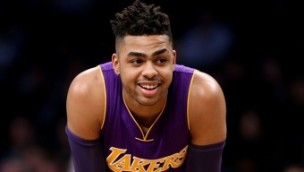 Lakers Beat Sixers, Snap Losing Streak