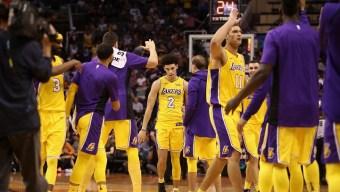 Lakers Wrap Up Road-Trip in Phoenix