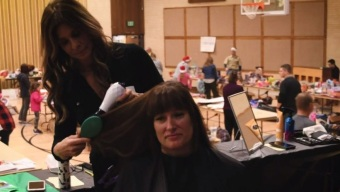 'The Voice' Stylist Gives Haircuts to Camp Fire Evacuees