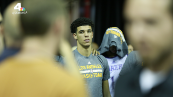 Lonzo Ball Struggles, Clippers Upset Lakers