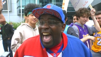 Glum Lakers Fans Were Protesting at Staples Center, Then Clipper Darrell Showed Up