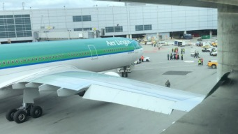 Tip of Aer Lingus Plane Wing Hits Concrete Wall at SFO