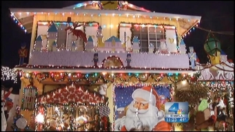 Fritz's Holiday Lights: Half Century of Decorating in Simi Valley